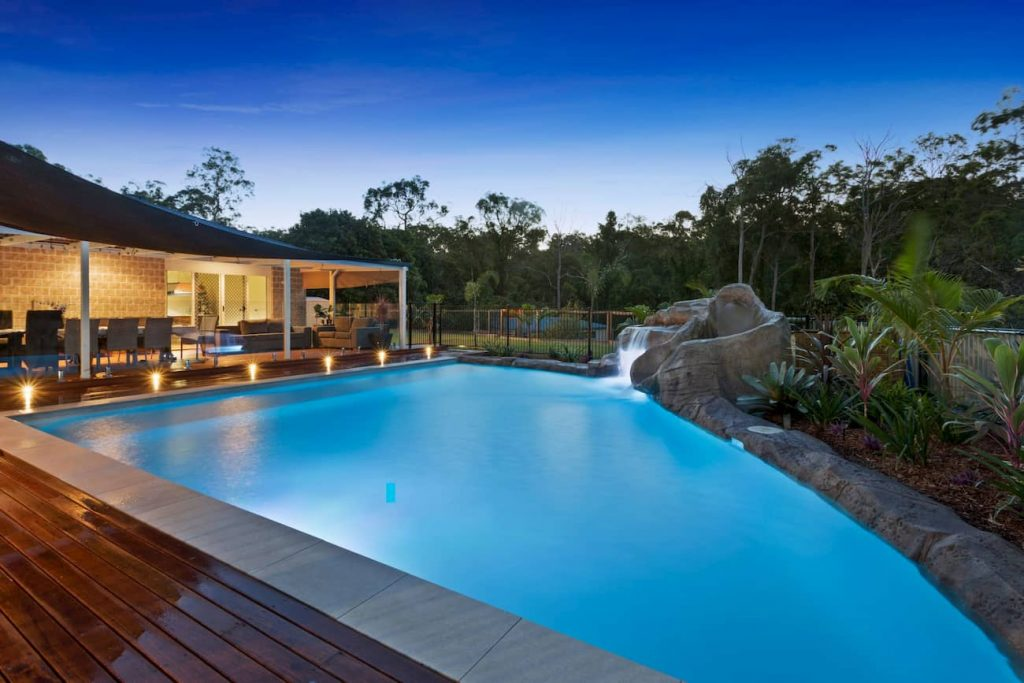 freeform pool - pool builders Gold Coast